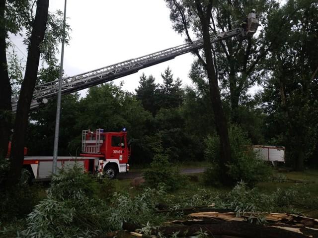 Szkody po burzy w gminie Ślesin