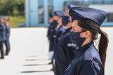 Kraków. Nowi funkcjonariusze w szeregach małopolskiej Policji. W tym osiem pań [ZDJĘCIA]