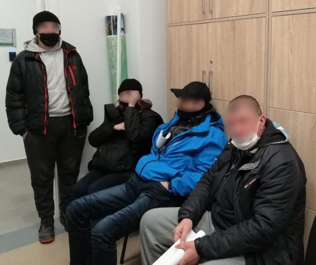 Zatrzymanych zostało w sumie siedmioro obywateli Ukrainy, którzy pracowali nielegalnie w firmie kurierskiej w Tarnowie