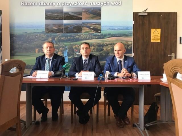 Wody Polskie zorganizowały w czwartek, 22.08.2019 r. specjalną konferencję prasową w sprawie kontrowersji wokół podwyżek cen wody i ścieków