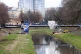 Przebudowa Parku Ludowego. Powstaje nowa kładka nad Bystrzycą