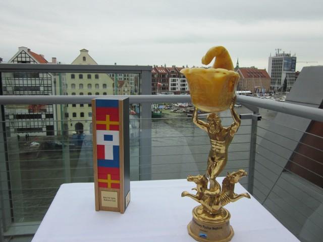 Tak wygląda Bursztynowy Puchar Neptuna, o który walczyć będą załogi