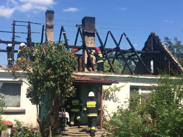 W pożarze dach został całkowicie zniszczony