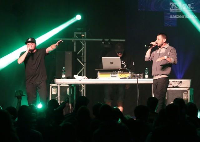 W poniedziałek na Zamku Książąt Pomorskich w Szczecinie odbył się koncert kultowej grupy hip-hopowej Kaliber 44.