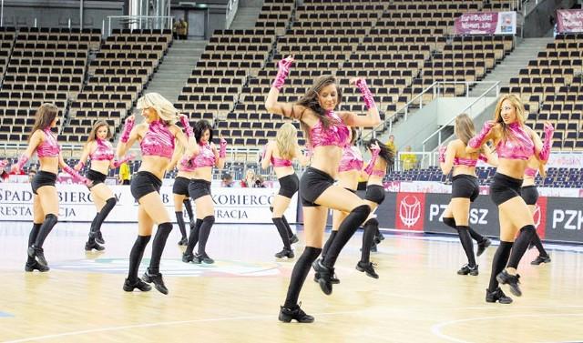 Warto przyjść do Atlas Areny by obejrzeć występy cheerleaderek