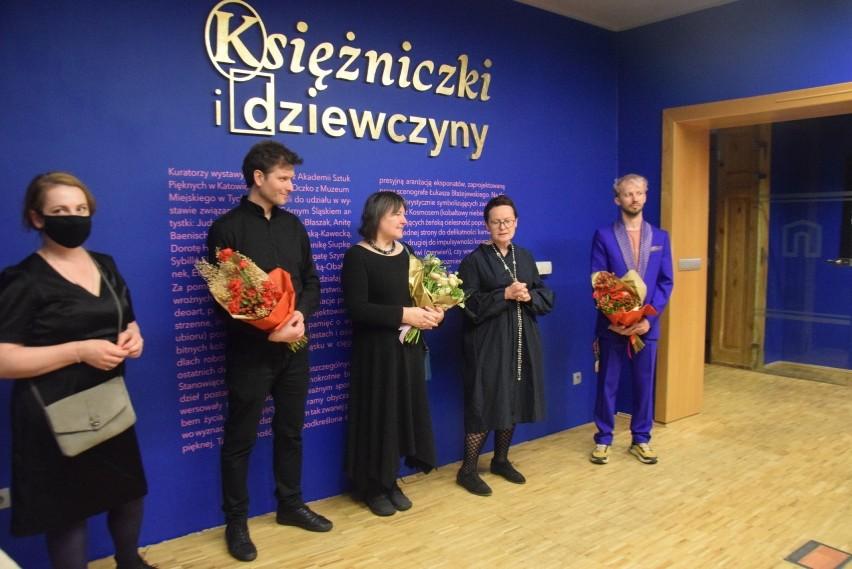 """""""Dziewczyny i księżniczki"""" - wystawa w Muzeum Miejskim w..."""