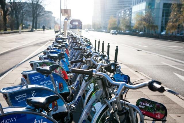Veturilo. Rowery miejskie do wypożyczenia na pół roku? Firma pyta warszawiaków o opinię