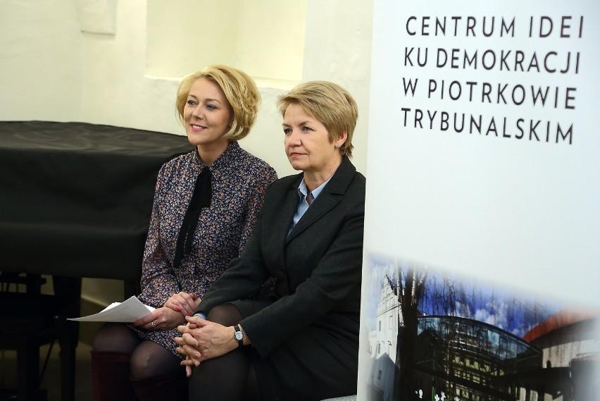 """W CIKD otwarto wystawę fotograficzną z pracami uczestników konkursu """"Przyroda łódzkiego - LUBIĘ TO"""""""