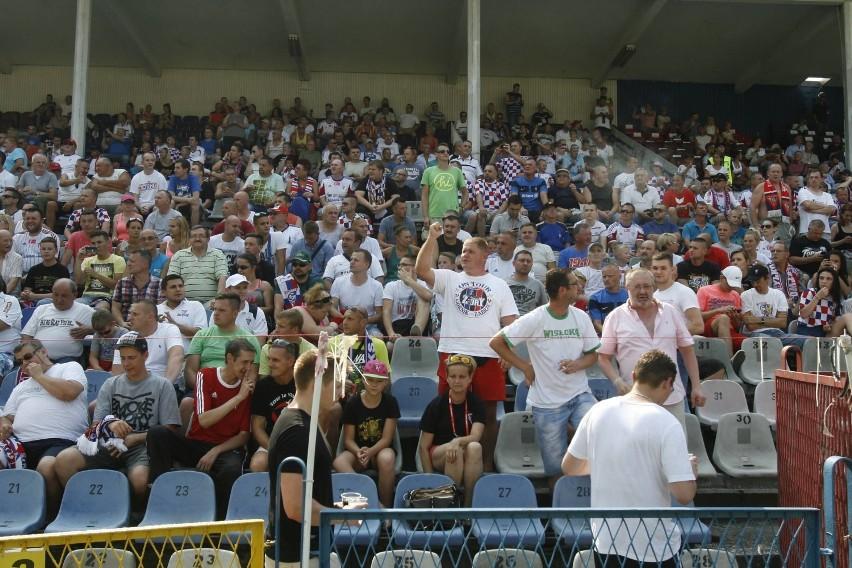 Nowy stadion w Zabrzu. Debiut Torcidy na nowej trybunie