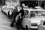 Taksówki i taksówkarze sprzed lat (ARCHIWALNE ZDJĘCIA)