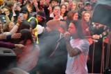 Malik Montana w Skierniewicach. Tłumy nastolatków skandowały z raperem