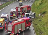 Wypadek na DTŚ w Rudzie Śląskiej. Kierowca citroena wjechał w barierki. Lądował śmigłowiec LPR
