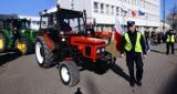 Rolnicy jadą na Bydgoszcz - zablokowali krajówkę od strony Nakła