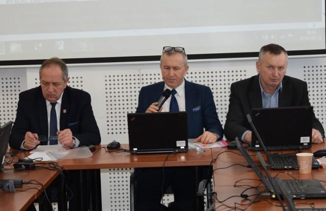 Taka koncepcja jest najlepsza dla mieszkańców naszego regionu - mówi wójt Andrzej Szymulewski (z lewej)