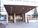 Koronawirus. Pacjenci Szpitala Specjalistycznego nr 1 w Bytomiu są przenoszeni do innego budynku