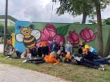 Dzieci stworzyły murale koło kina Bajka w Kluczborku. Zobacz, jak wygląda efekt [ZDJĘCIA]