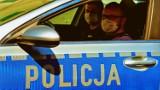 Łomża. Policjanci eskortowali auto z rodzącą kobietą