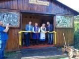 W Kosakowie otworzyli Kaszubską Izbę Regionalną. Przy Checzy Nordowych Kaszubów pokazali dawny dom mieszkańców gm. Kosakowo | ZDJĘCIA
