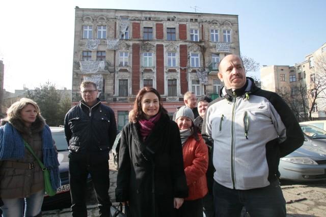 Agnieszka Wojciechowska reprezentuje mieszkańców kamienicy przy Targowej