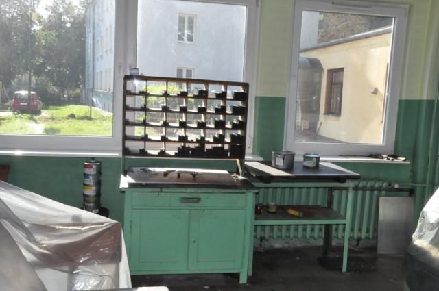 W drukarni znajdują się urządzenia z połowy XX wieku. Są  XIX  i XX wieczne czcionki  o wysokości od kilku do ponad 20 milimetrów  wykonane z metalu, ołowiu i drewniane. Pozostała także gilotyna  przecinająca druki i zszywarka. Niektóre urządzenia ważą od 2 do 3 ton.