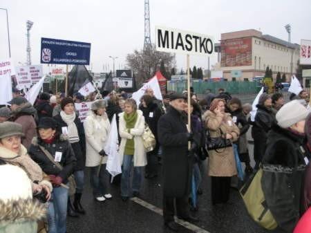 Reprezentacja Miastka protestowała na ulicach Warszawy. FOT. MATEUSZ WĘSIERSKI
