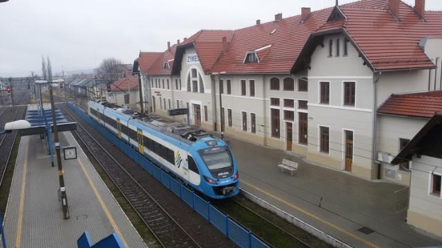 Przy dworcu kolejowym w Żywcu ma powstać obiekt typu Park&Ride. Kiedy powstanie? Raczej nieprędko