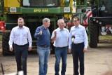 Premier Mateusz Morawiecki z wizytą w gospodarstwie w Staryni
