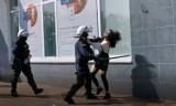 Protest w Głogowie - Dolnośląska policja komentuje film z zatrzymania młodej kobiety i publikuje kolejny