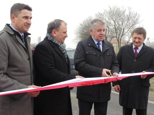 W piątek władze województwa lubelskiego oficjalnie otworzyły przebudowany 50-kilometrowy odcinek drogi 747 z Konopnicy do Kamienia.