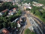 Najnowsze zdjęcia obwodnicy Wałbrzycha z drona. Europejka to jedna z najpiękniej położonych dróg na Dolnym Śląsku