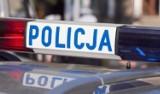 Korzenna. Wypadek obok Biedronki. Zderzyły się dwa samochody osobowe, jeden z nich wypadł z drogi