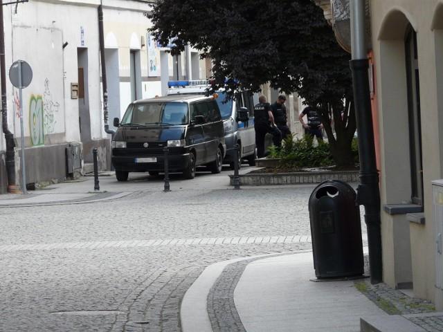 Napad w Legnicy, sprawca rozpoznany przez policjantów