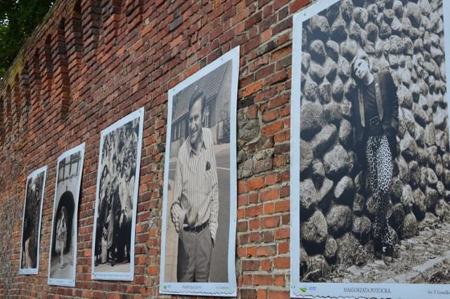 Łagów z okazji 50. Lubuskiego Lata Filmowego przyozdobiły zdjęcia celebrytów.