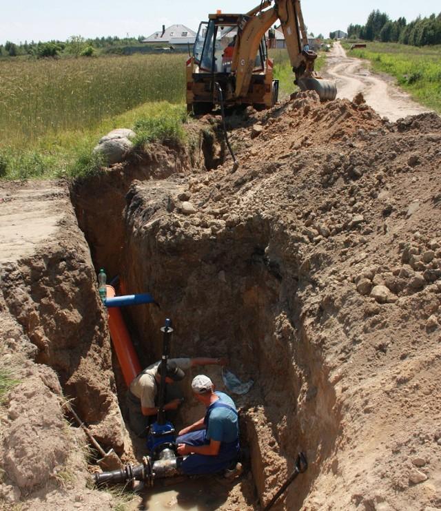Brzeziński Zakład Usług Komunalnych kończy budowę nowego wodociągu