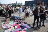 Charytatywny pchli targ w Wągrowcu. Mieszkańcy pomagają pogorzelcom. Ile udało się uzbierać?