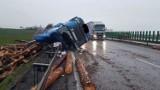 Zobacz zdjęcia z wypadku ciężarówki na A4 pod Wrocławiem