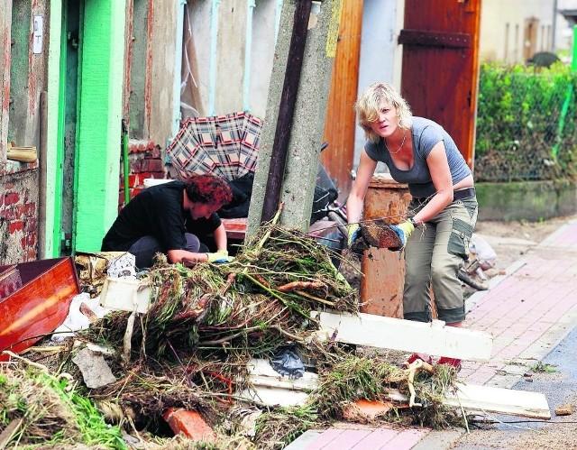 Wielu mieszkańców Bogatyni straciło w sierpniowej powodzi domy i cały swój dobytek