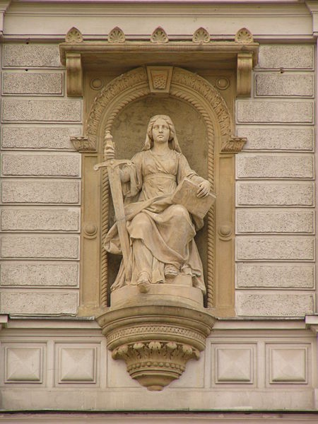 Źródło: http://commons.wikimedia.org/wiki/File:Justice_statue.jpg?uselang=pl