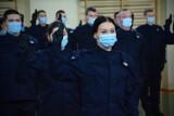 Nowi policjanci rozpoczynają służbę w komendzie powiatowej w Tomaszowie [ZDJĘCIA]