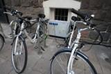 Sopot stawia na ekologię i inwestuje w pojazdy elektryczne. Miasto kupiło nowe rowery elektryczne [zdjęcia]