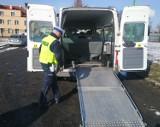 Policjanci sprawdzili kilkanaście pojazdów przewożących osoby niepełnosprawne. Jak wypadły kontrole?
