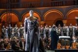 """Operowa opowieść o miłości niemożliwej do spełnienia. Jak wypadła premiera opery """"Wanda"""" na Wawelu?"""