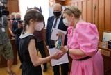 Oto nasi najlepsi młodzi humaniści! Otrzymują stypendia marszałka województwa kujawsko-pomorskiego [nazwiska, zdjęcia]