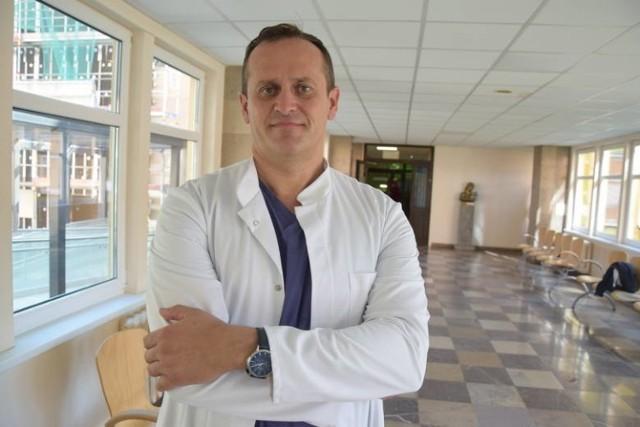 - Dwa i pół roku temu szpital robił 13-15 operacji raka prostaty rocznie. Teraz operacji jest ponad sto – mówi doktor Piotr Petras
