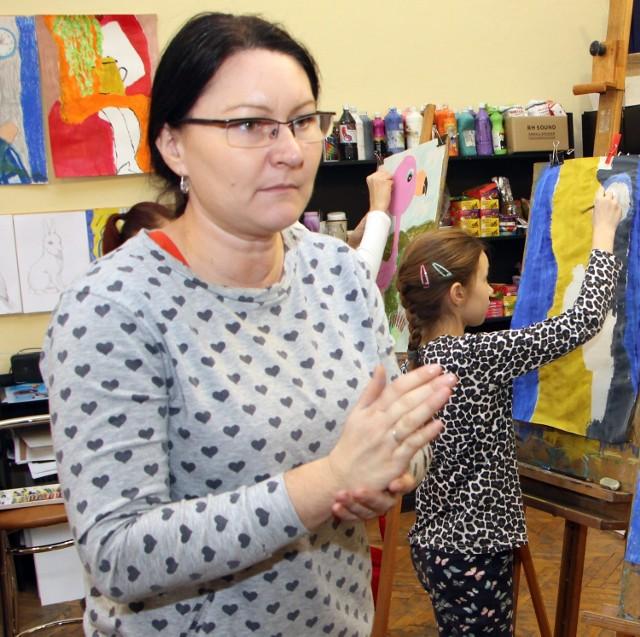 Marianna Gitner-Sawistowska m.in. prowadzi warsztaty plastyczne dla dzieci
