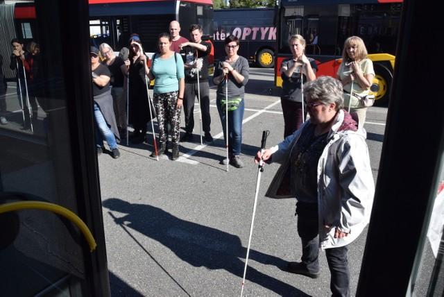 Na terenie bielskiego Miejskiego Zakładu Komunikacyjnego odbyło się szkolenie organizowane przez Polski Związek Niewidomych.