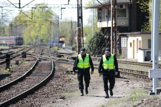 Opolscy SOK-iści zatrzymali 32-latkę z dziewięcioletnim chłopcem, który zgodnie z prawem powinien być w Hamburgu. Zdjęcie ilustracyjne.