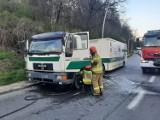 Ciężarówkę płonącą na DK 75 sądeccy strażacy widzieli ze swojej remizy