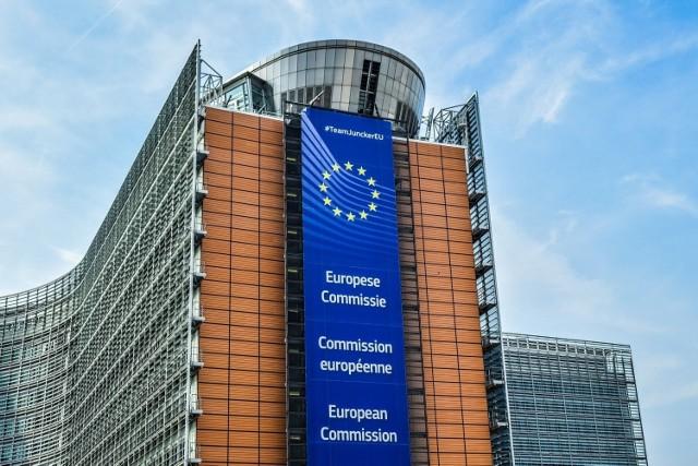 Komisja Europejska: Jest zgoda na szczepienia przeciwko COVID-19 w Unii Europejskiej