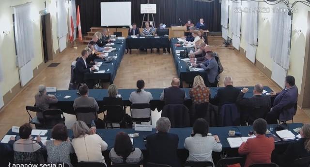 Głosowanie nad budżetem gminy Łapanów na 2020 rok - 9 radnych przeciw
